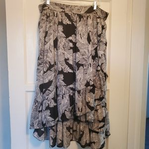 NWT Worthington flowy asymmetrical skirt 🖤
